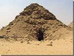 De piramide van Oeserkaf